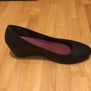 ee9c3c311261 CROCS Shoes - Crocs Dual Comfort Wedges Sz 9 + FREE Croc Butter!
